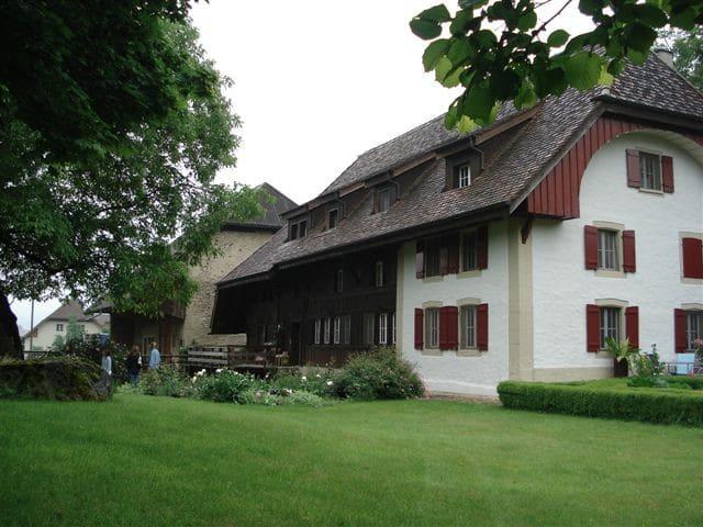Romantische Zimmer in Bauernhaus - Kirchleerau - ที่พักพร้อมอาหารเช้า