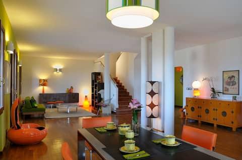 Friendly, 60s interior design, hilltop B&B