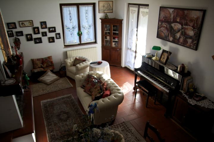 For EXPO - Delightful House in Gallarate - Gallarate - Huis