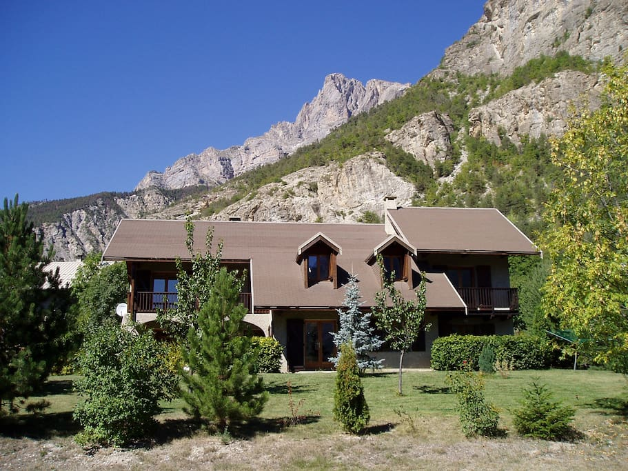 The chalet where the apartment is located