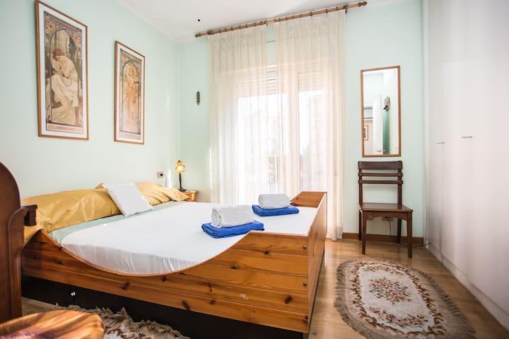 Cozy bedroom with private bathroom  - บาร์เซโลนา - อพาร์ทเมนท์