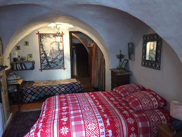 Saint-Bonnet-en-Champsaur - Maison typique 16e S.