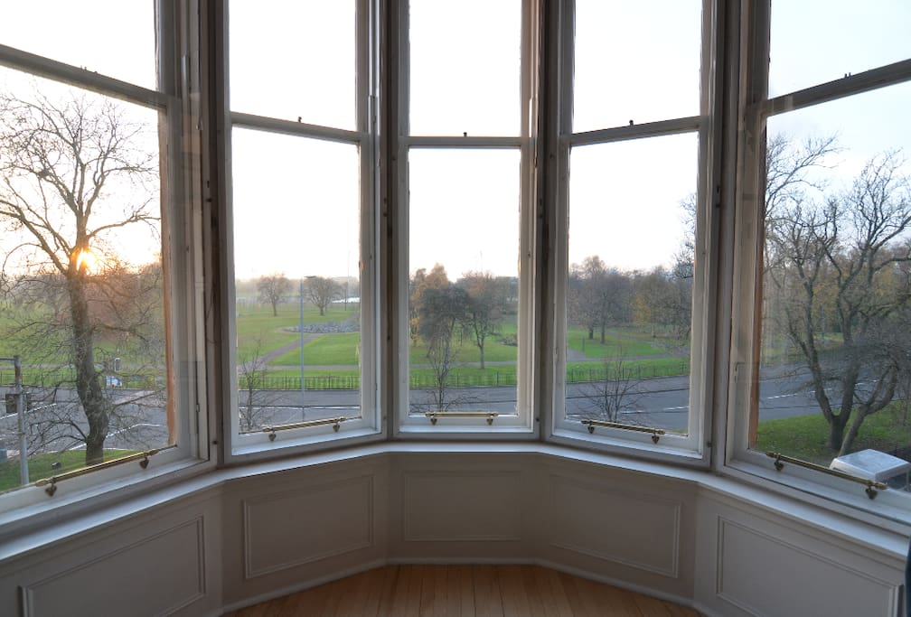 Oriel view over Glasgow Green from Living roon.