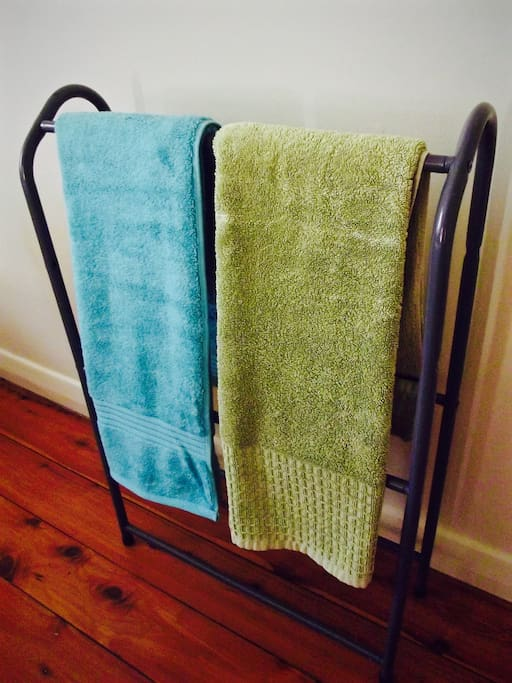 Need for a shower before or after a long flight also after a long day discovering the beauty of the Gold Coast? That's no a problem fresh towels provided