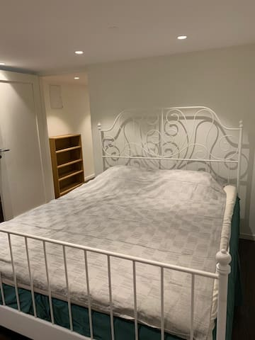 Bedroom with the dubblebed