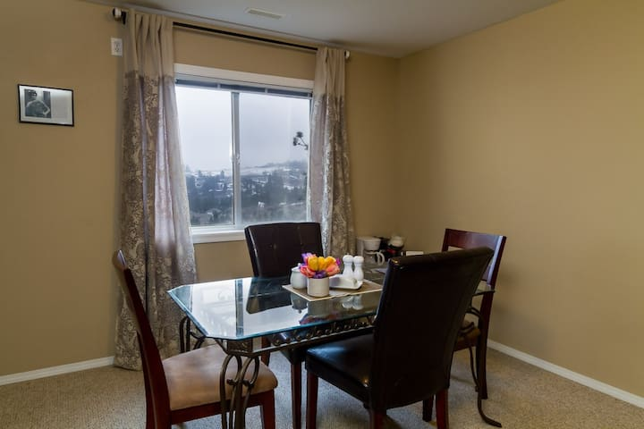 Walkout suite with amazing views. - West Kelowna - Daire