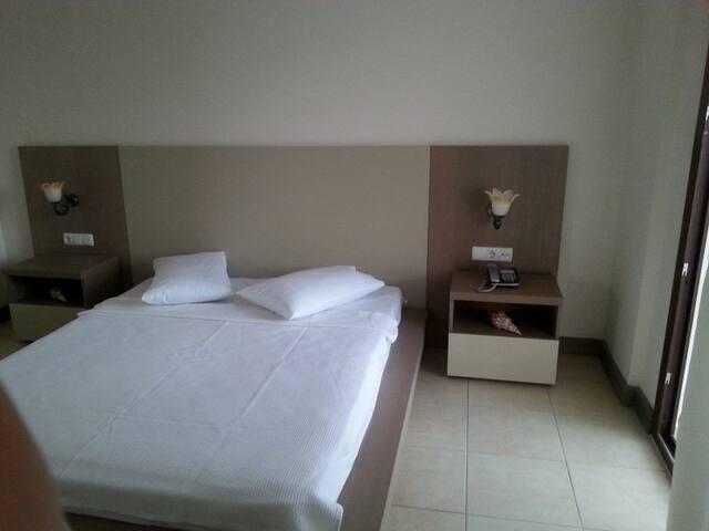 Göltürkbükü'nde 2 kişilik oda - Göltürkbükü - Bed & Breakfast