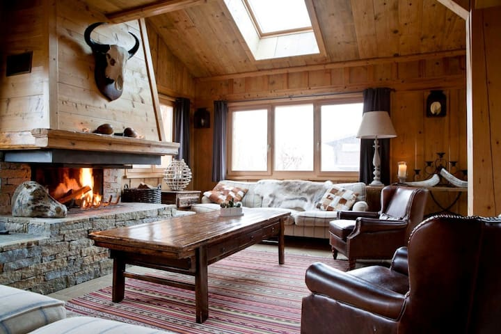 Luxury 17 Person Chalet with Spa Facilities