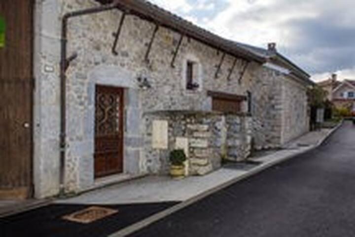 St EYNARD - Montbonnot-Saint-Martin - Byt