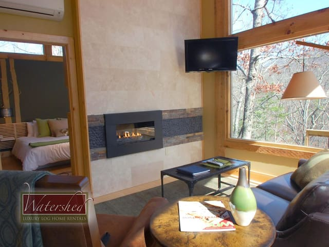 Woodland Loft #1 - Smoky Mtns - Bryson City