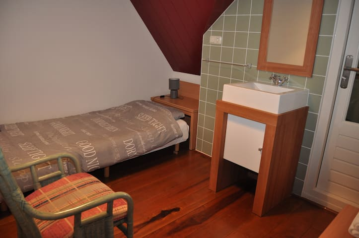 B&B LEEKS END - Balkon kamer (1p.) - Oosterleek - Bed & Breakfast