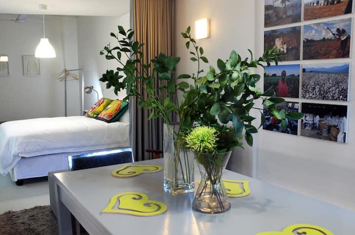 Morningside guest suite nr cosmopolitan Florida Rd
