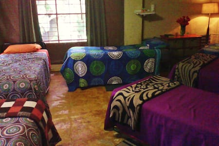 Affrodable Hostel Accommodation - Hartbeespoort