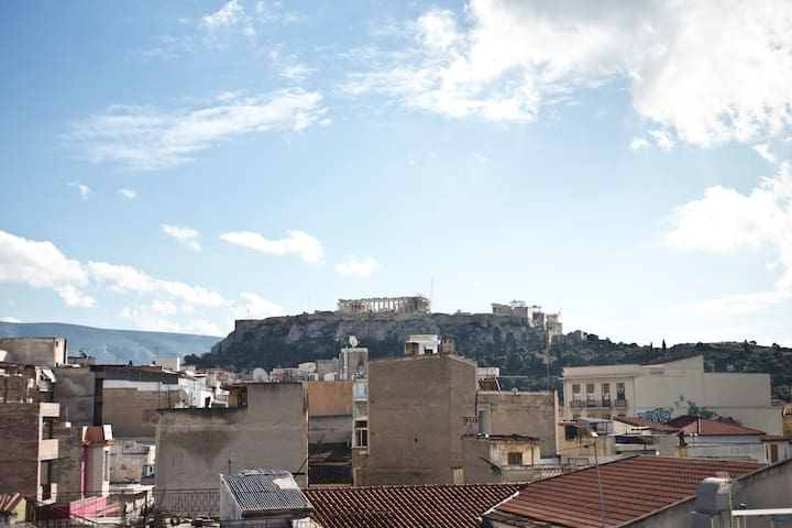 Cosy sunny loft with amazing Acropolis view