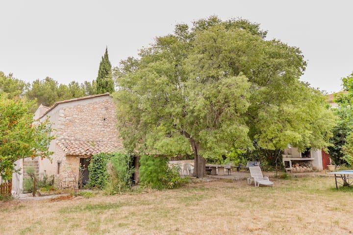 Mas provençal près d'Aix en Provenc