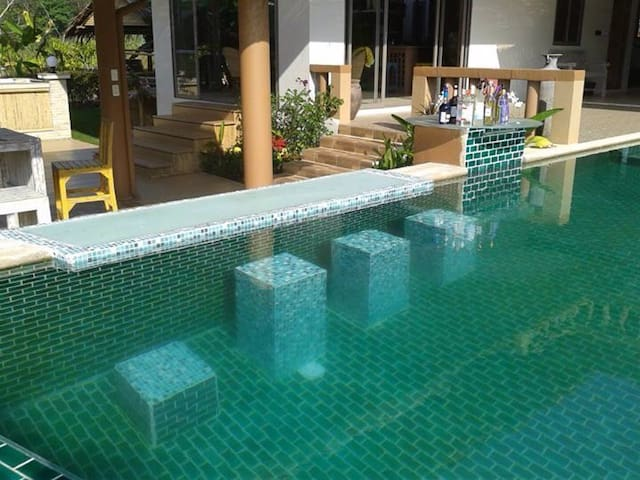Poooool, Snooker, Fishing, BBQ, Netflix, Beach :)) - Phuket, Thailand - Vila