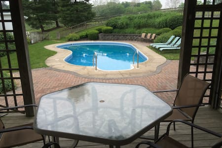 92 Acre Beautiful Farmhouse with in-ground pool - Manheim