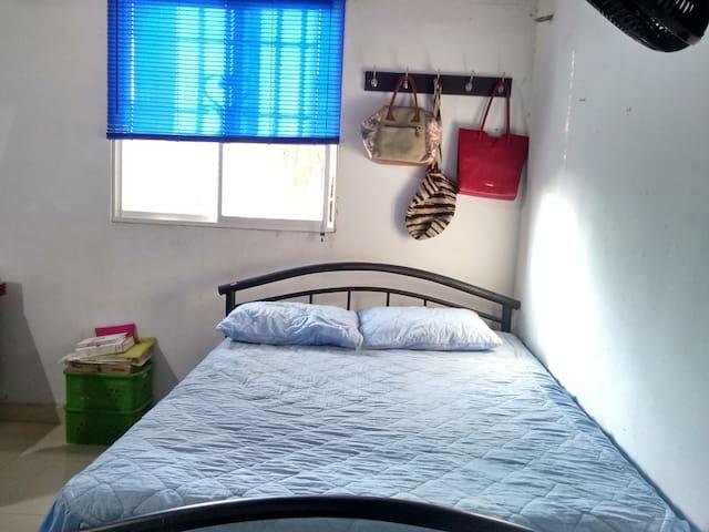 Habitación cómoda para dos
