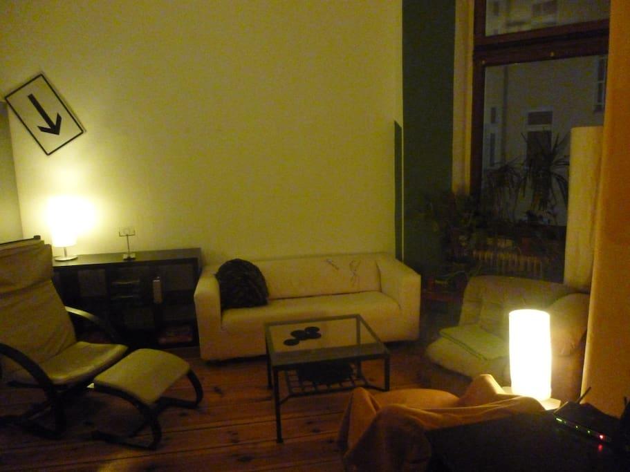 die gemütliche Sitzecke im Zimmer