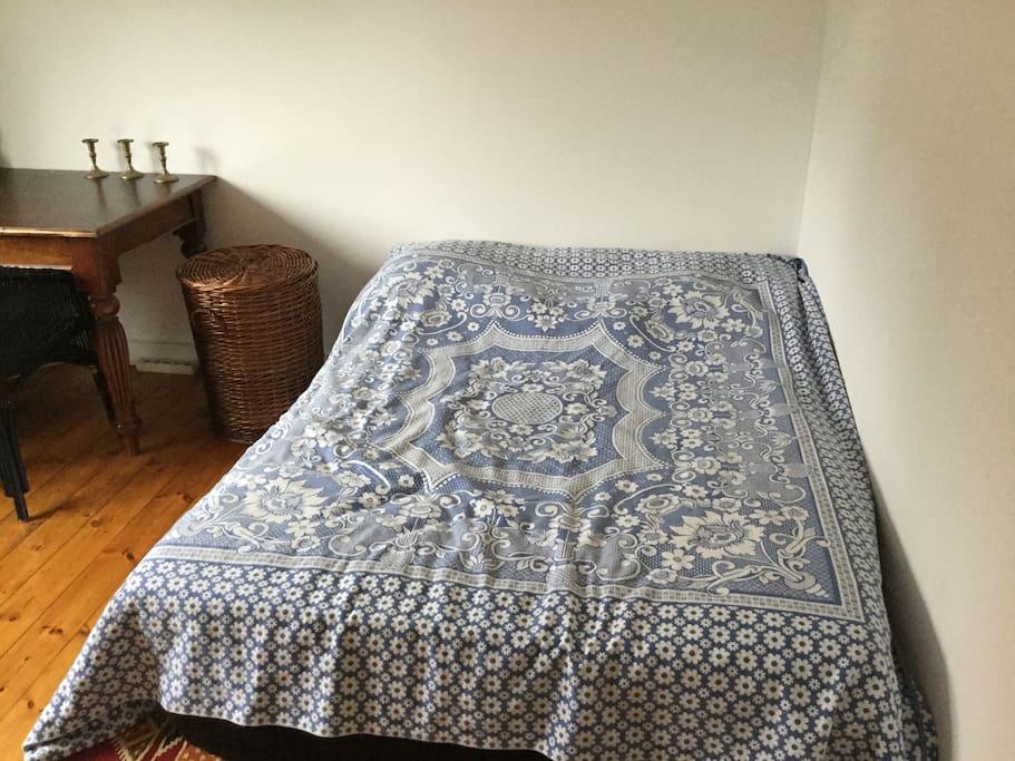 Bed (1,40m x 2,00m)
