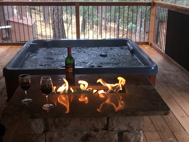 Hot tub with Fire Table