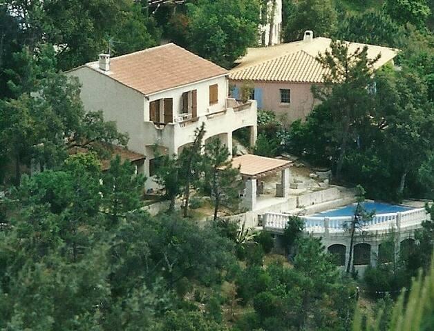 villa piscine privée proche golf - La Londe-les-Maures - Casa