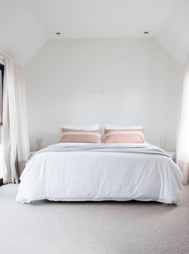 The Oak & Anchor Hotel - Bridal Suite