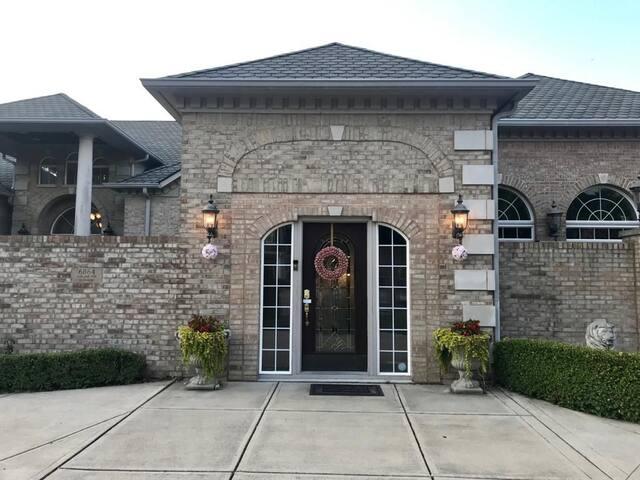 Stunning Villa. Unexpected luxury in Noblesville