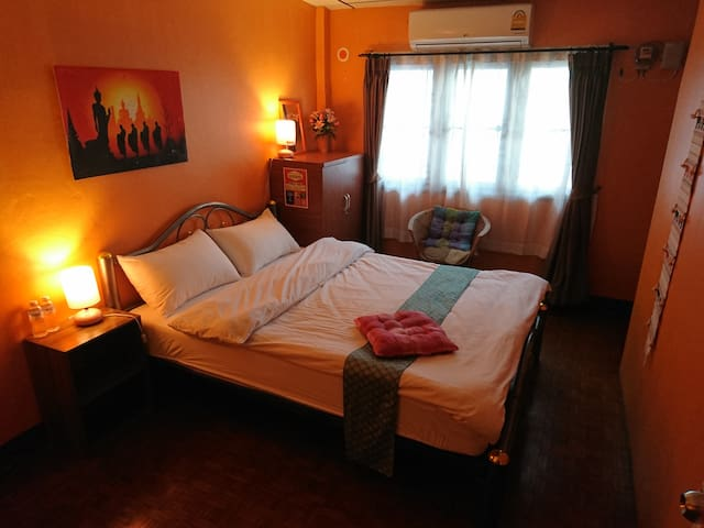 小荷美雪之家(meechok home)双人空调大床-double room with AC - Chiang Mai - Casa adossada