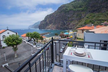 Oliveira's Penthouse - Cozy & Amazing view! - Ponta Delgada