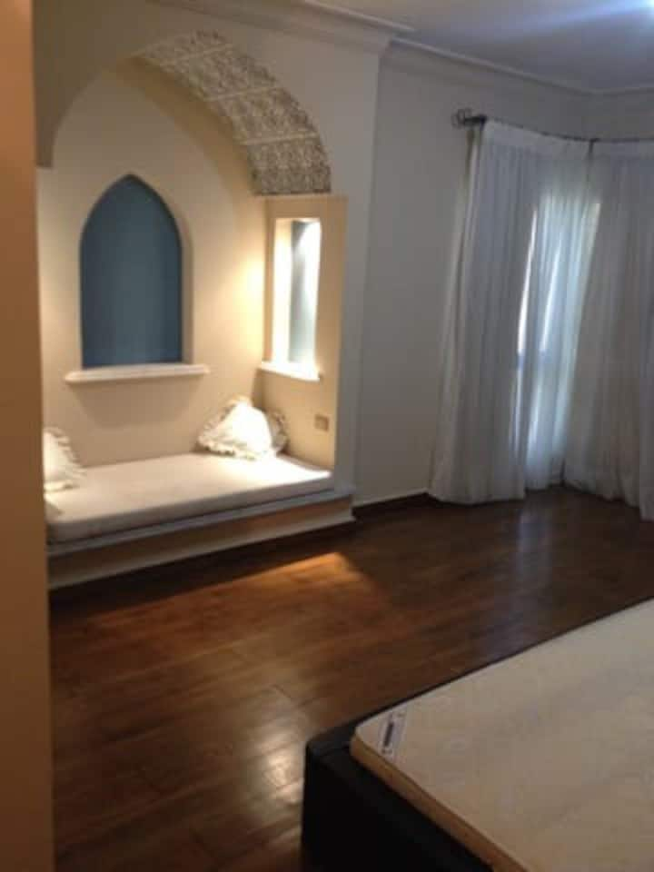 Spacious apartment for rent in Maadi