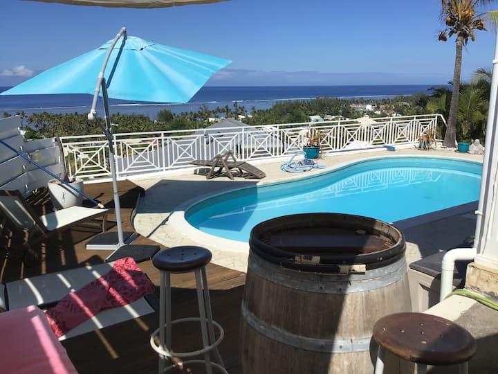 Chambre SDB WC 22 m2  vue 180° sur lagon - piscine