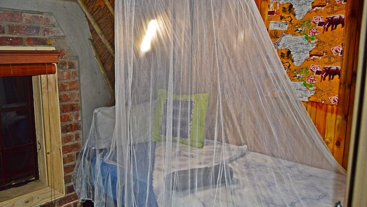 African Bush Backpackers - The Genet Dorm Room