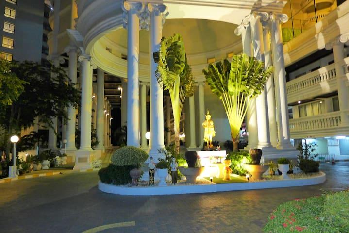 Traumhaftes Condo im 34.Stock mit 3 Balkonen 93qm - Muang Pattaya - Daire