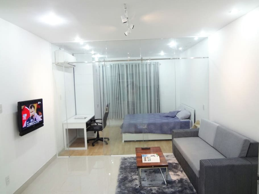 Spacious and Cozy Apartment for rent in District 1