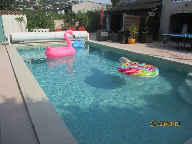 rez de villa 1 chambre 5 couchages, piscine 5x10