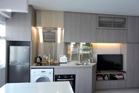Full Sea view modern and light - Hong Kong - Apartment