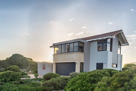 Breathtaking Botriver Estuary Home - Hermanus - House