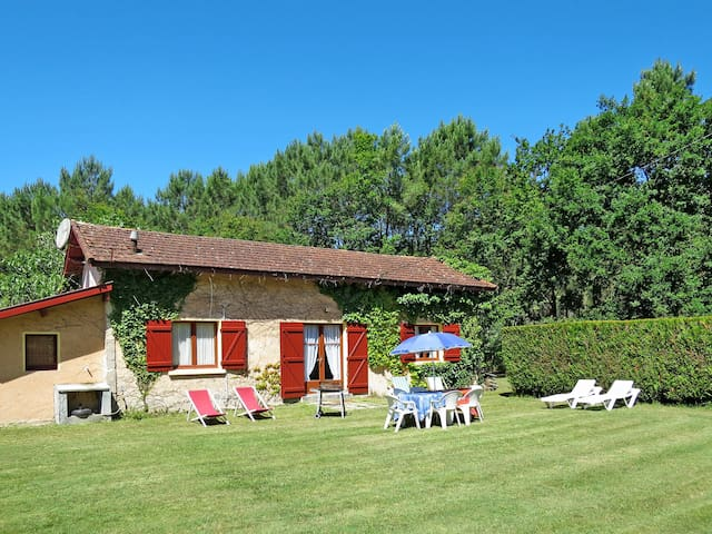 Holiday house for 6 persons in Le Porge