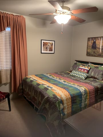 Queen 2nd bedroom