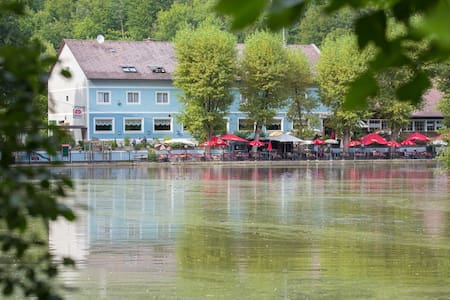 Amazing accomodation on the lake - Thal - Bed & Breakfast