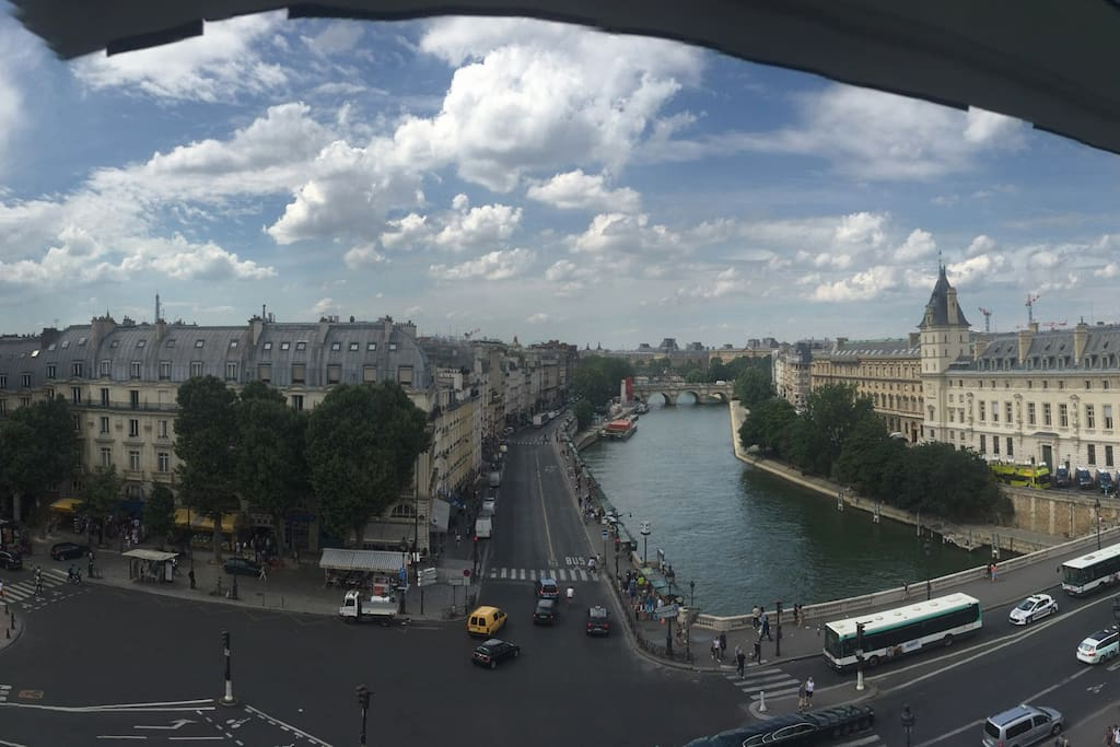 view from the living room (place saint michel)