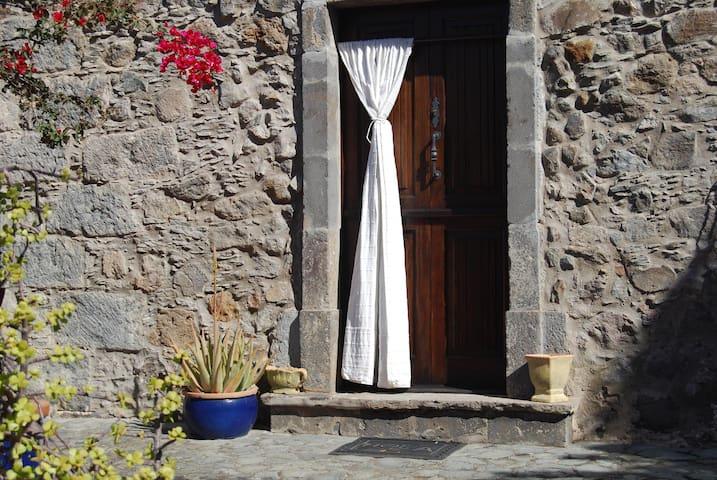Las Cadenas 29 - Casa de Piedra - Santa Brígida - Rumah