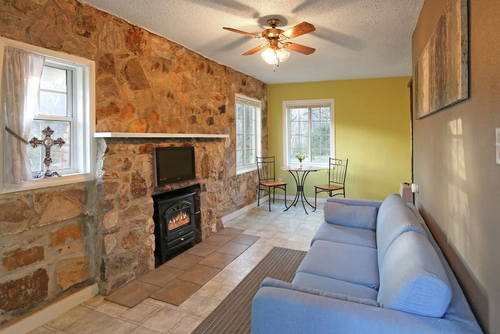 Cozy living area with relaxing amenities.