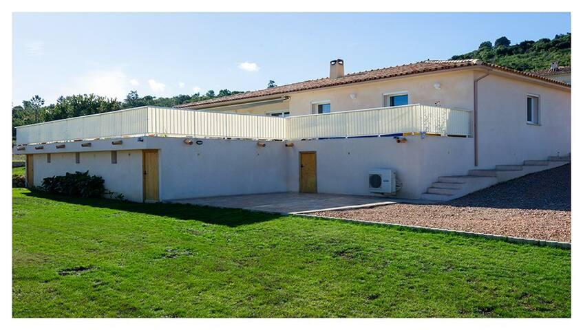 villa standing piscine chauffee - Sari-Solenzara - Ev