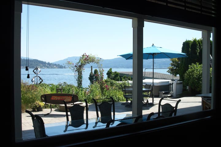 Socially distant Lake Sammamish Waterfront (3Bdrm)