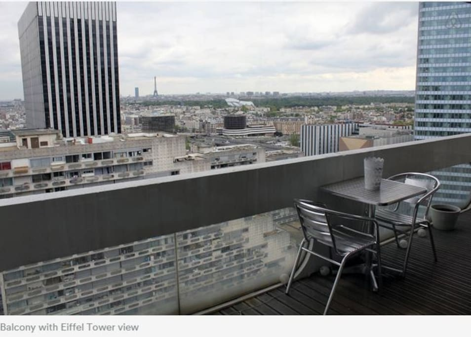 Balcony - Eiffel Tower view