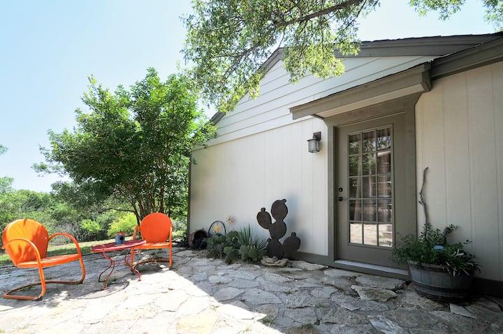 """The Bunkhouse"" Cozy Guest Cottage"