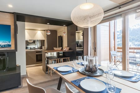Luxury comfort in this 3 bedroom ski in-ski out apartment