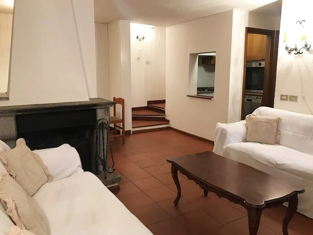 Courmayeur - Central Apartment for 8 People